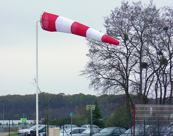 SIMPLE MAST WIND DIRECTION INDICATOR