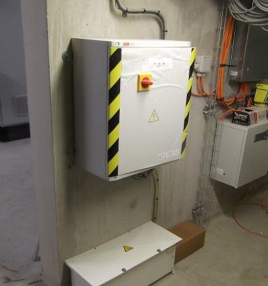 delta-box_uninterruptible-power-supply-slider-1