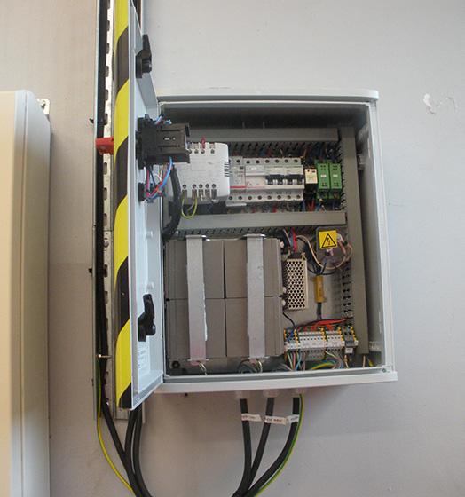 delta-box_uninterruptible-power-supply-slider-2