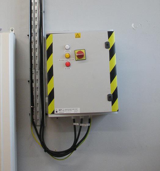 delta-box_uninterruptible-power-supply-slider-3