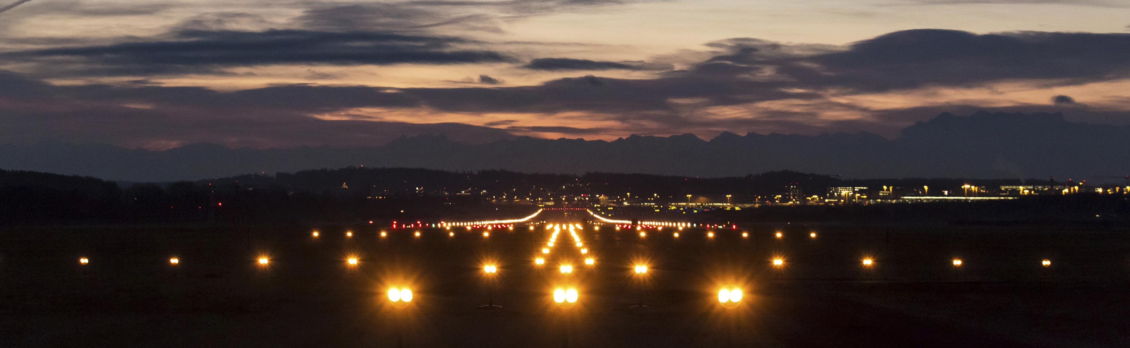 delta-box_aircraft-warning-lights-airport-and-heliport_slider